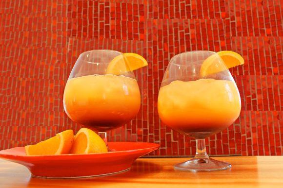 Лучшие коктейли этого лета- текила санрайз