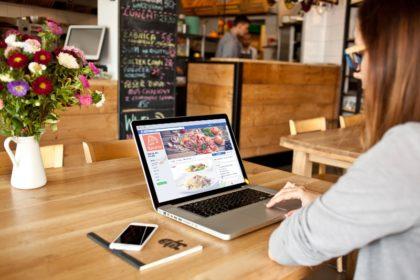 Что постить на Facebook, чтобы привлечь в ресторан реальных посетителей