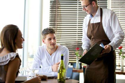 Як підвищити середній чек в ресторані та не бути нав'язливим: поради офіціантам